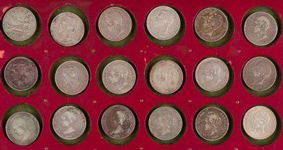LOT de 22 écus en argent de 5 pesetas : 1...