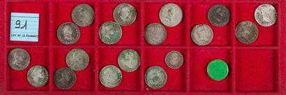 LOT de 18 monnaies divisionnaires en argent...