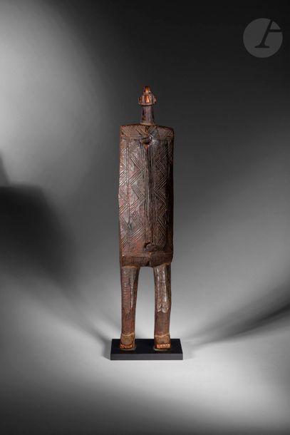 Un ancien et très beau corps de serrure anthropomorphe...