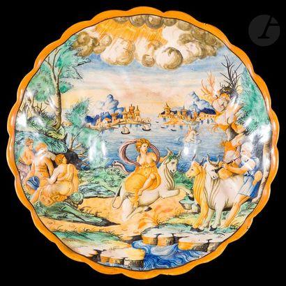 Urbino (genre de)  Coupe crespina en faïence...