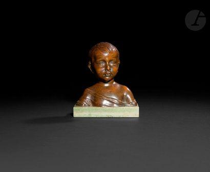 Buste d'enfant en bronze à patine brune ;...