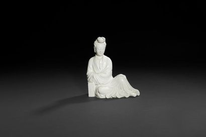 Chine  Statuette de Guanyin en porcelaine...
