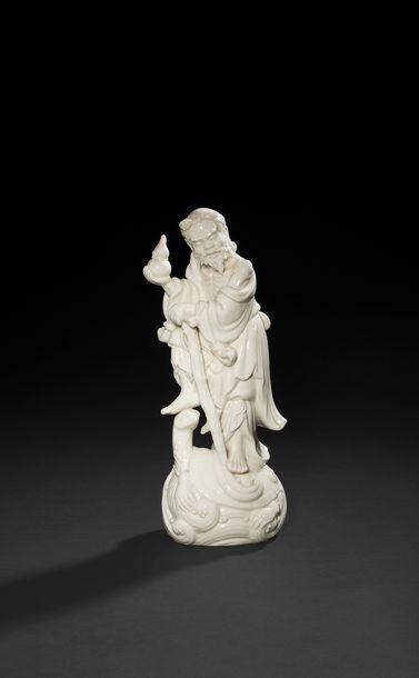 Chine  Statuette d'immortel en porcelaine...