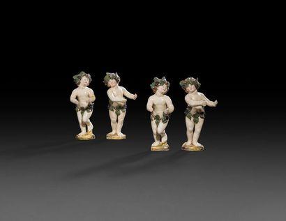 Italie  Ensemble de quatre statuettes en...
