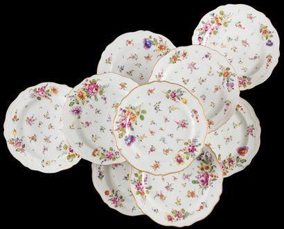 Samson  Suite de neuf assiettes en porcelaine...