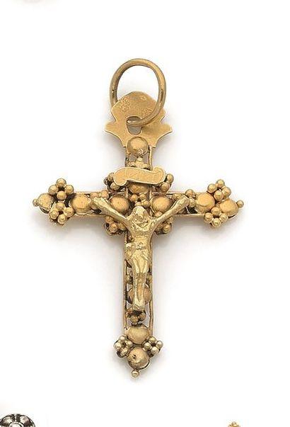 Pendentif-croix en or 18K (750). Travail...