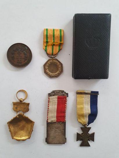 DIVERS PAYS - PAYS BAS. Médaille pour 25 ans de service. En vermeil. Ruban à agrafe...