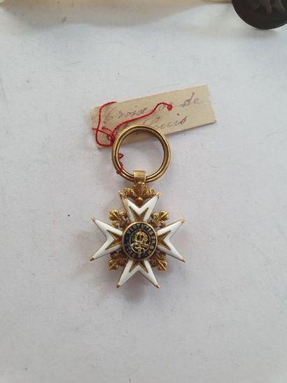 FRANCE ORDRE DE SAINT-LOUIS Croix de chevalier d'époque Louis XVI en réduction....