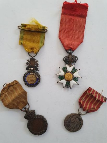 FRANCESECOND EMPIRE - IIIrd REPUBLIC OF THE LEGION OF HONOUR - MISCELLANEOUS Set...