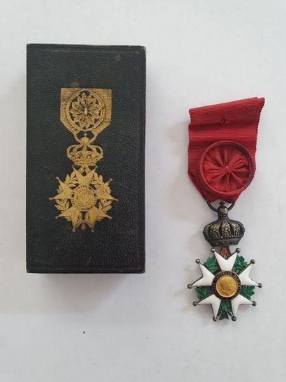 FRANCE ORDRE DE LA LÉGION D'HONNEUR Étoile d'officier d'époque Second Empire. Vermeil,...
