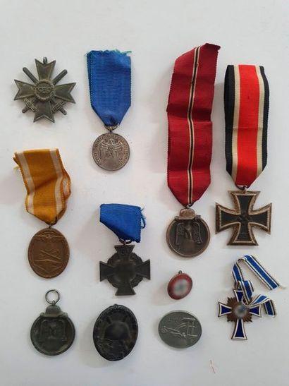 ALLEMAGNE Ensemble de 10 décorations et insignes...