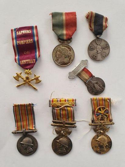 SAPEURS POMPIERS 7 médailles dont insigne...