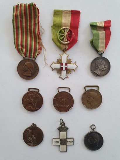 ITALIE Ensemble de 9 médailles, unité italienne...