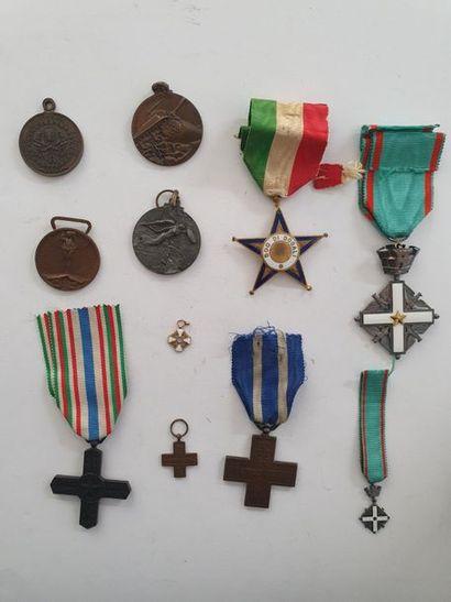 ITALIE – VATICAN Ensemble de 10 médailles...