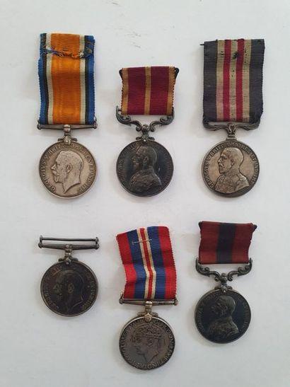ROYAUME-UNI Cinq médailles du règne de Georges...