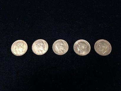 5 pièces en or 20 Francs et 2 Souverains...
