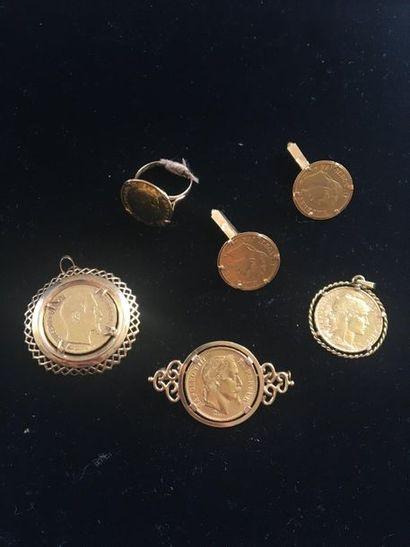 Lot de 6 pièces en or montées. Poids brut...