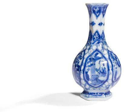 Chine Vase de forme balustre octogonal en...