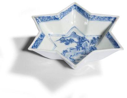 Chine Coupe en forme d'étoile en porcelaine...
