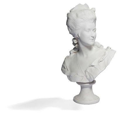 Paris Buste en biscuit représentant Marie-Antoinette....