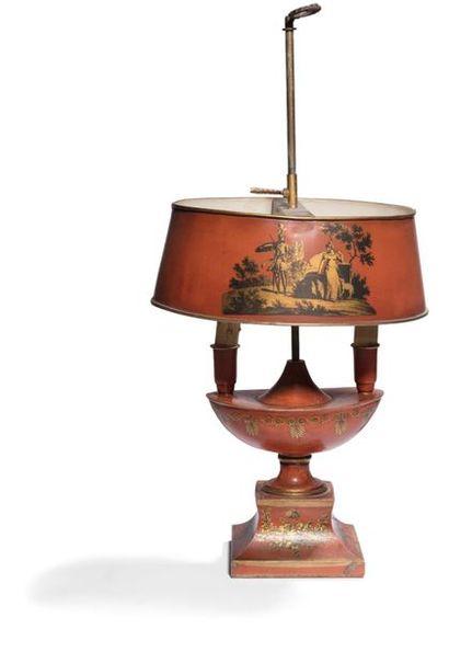 Lampe bouillote en fer et tôle peinte, à...