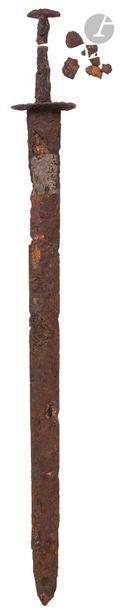 Épée normande  Courts quillons, fusée brisée...