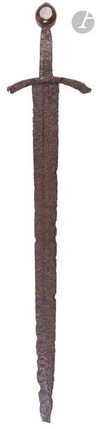 Rare et belle épée d'arme à lame à deux tranchants...