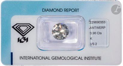 Diamant rond de taille brillant sous scellé...