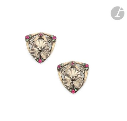 EDMOND LHOTE (attributed to) Pair of softened triangular-shaped gilt silver buttons,...
