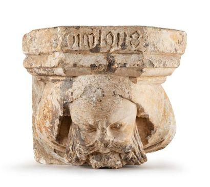 Corbeau en pierre calcaire sculptée d'une...