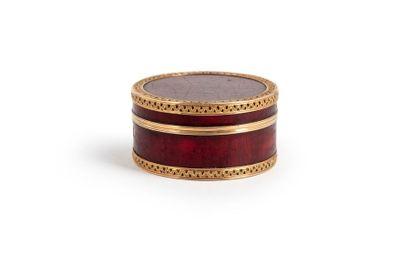 PARIS 1770 - 1771 Boîte ronde en or 18 Kt...