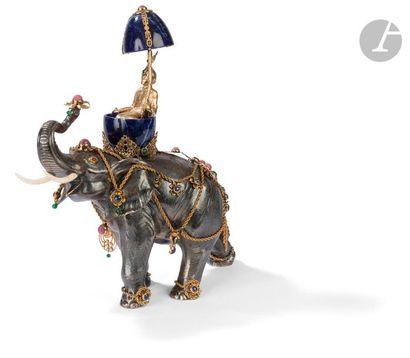 Sculpture en argent 925‰ figurant un éléphant...