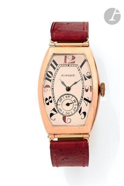 H.MOSER. Vers 1920 Montre bracelet en or...
