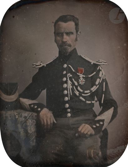 Daguerréotypiste non identifié Gendarme,...