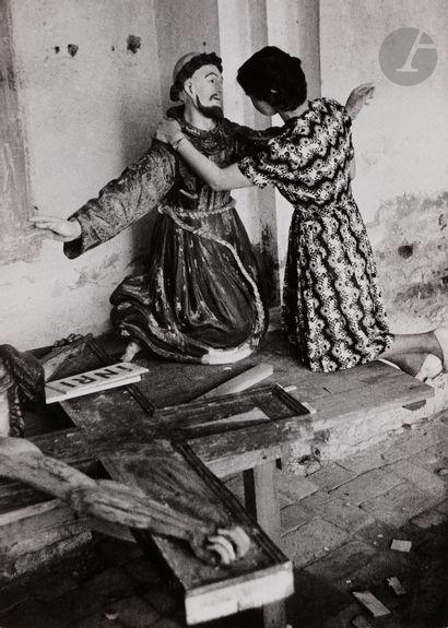 *Antanas Sutkus (1939) Restaurācija, Zarasai,...
