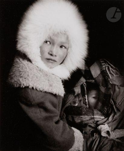 *Heidi Bradner (1964) Nenets girl in village,...