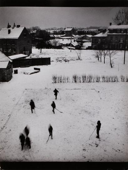 *Antanas Sutkus (1939) Ice hockey in the...