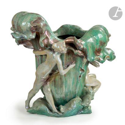 TRAVAIL D'ÉPOQUE ART NOUVEAU Les deux sources, circa 1900 Spectaculaire vase ou...