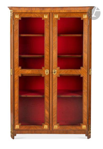 Bibliothèque en bois de rose, amarante et...