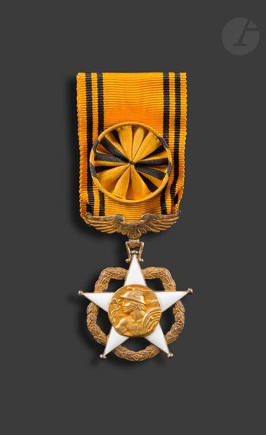 FRANCE ORDRE DU MÉRITE POSTAL Étoile d'officier...