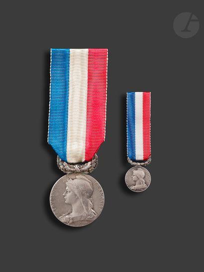 INDOCHINE Médaille d'honneur de 2e classe...