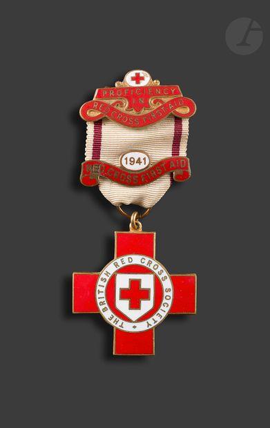 GRANDE-BRETAGNE Médaille de la BRITSH RED...