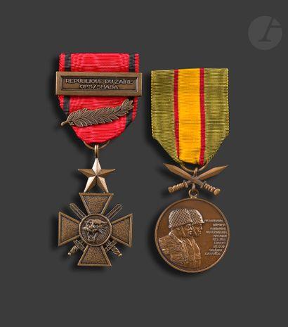 ZAÏRE Deux médailles : - croix de la Bravoure....