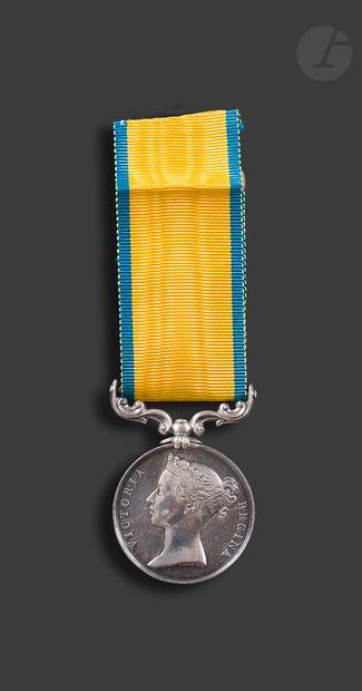 GRANDE-BRETAGNE BALTIC Medal En argent. Ruban...