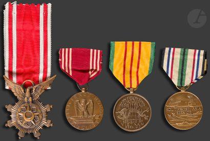 U.S.A. Quatre médailles : - Good conduct...