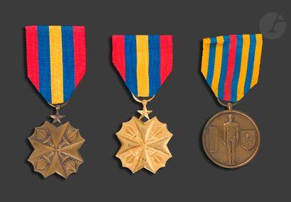 CONGO (République démocratique) Trois médailles, deux du mérite civique de rang...