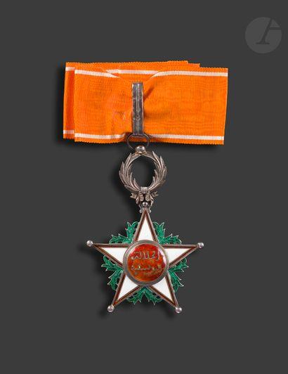 MAROC ORDRE DU OUISSAM ALAOUITE Étoile de commandeur du 2e type. En vermeil et émail...