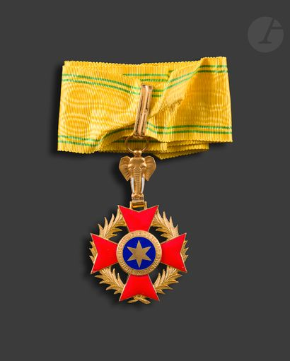 TCHAD ORDRE NATIONAL Ensemble de grand officier...