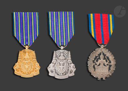 CAMBODGE Trois médailles : - médaille du...