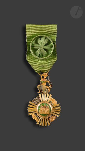 CAMBODGE ORDRE DE SOWATHARA Insigne d'officier...
